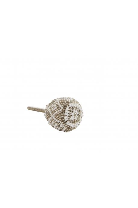 Bouton de meuble à motifs en perles
