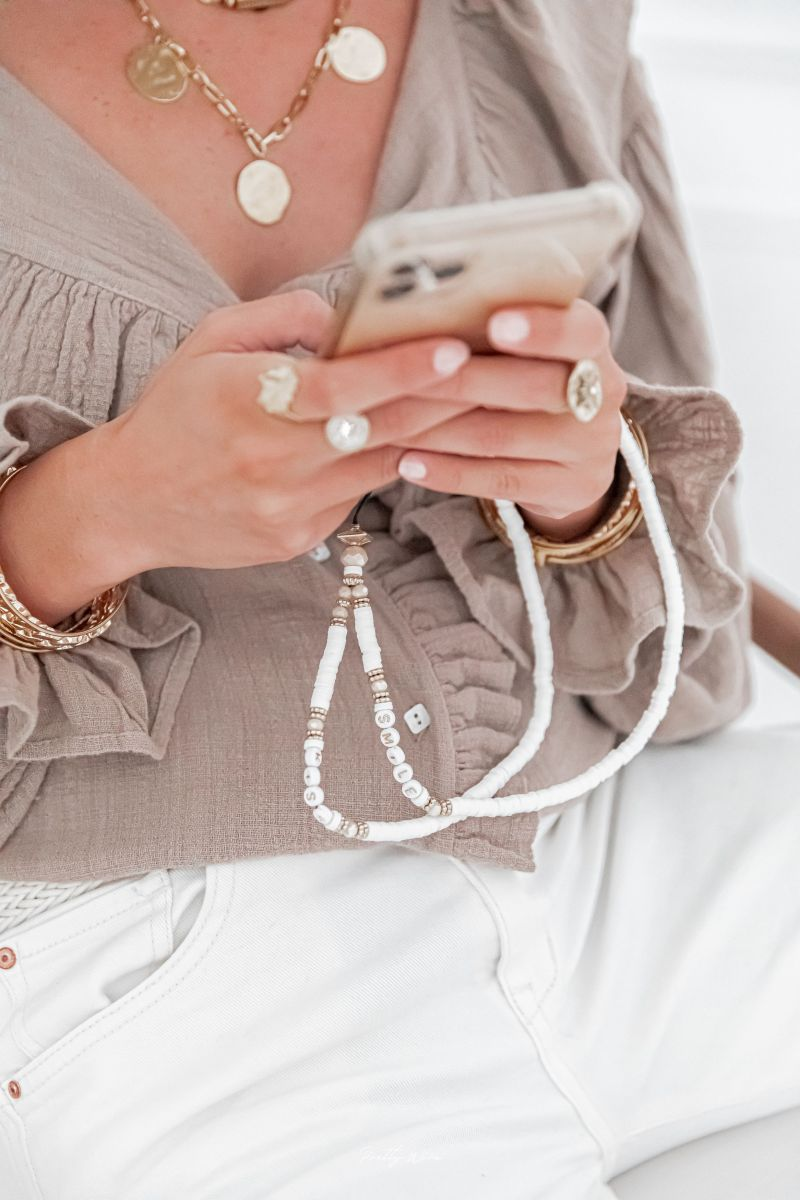 SMILE KISS Blanc - GRAND pendentif de téléphone