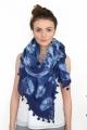 Foulard tie and dye bleu marine avec pompons